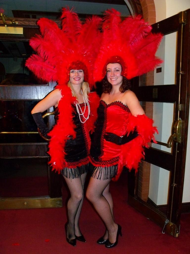 QE Vegas Girls (FILEminimizer)